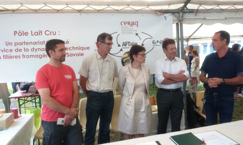 Pôle Lait Cru : signature de la convention